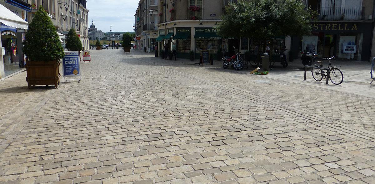 pavés vieillis centre pieton blois 41 calminia pierre naturelle vente fabricant