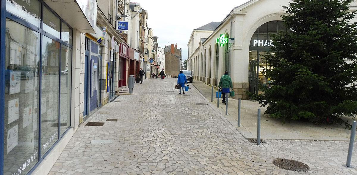 pavé trapeze rue piétonne ancenis 44 calminia pierre naturelle vente fabricant