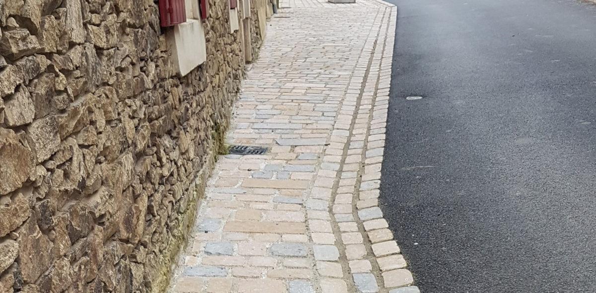 longuénée-en-anjou réaménagement de la voirie, des trottoirs, aménagement urbain avec pavé confort