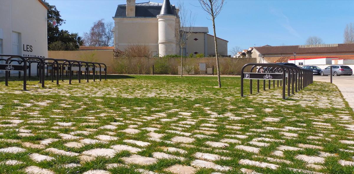 Aménagement urbain en pierres naturelles à port-boinot - deux sèvres par Calminia port boinot