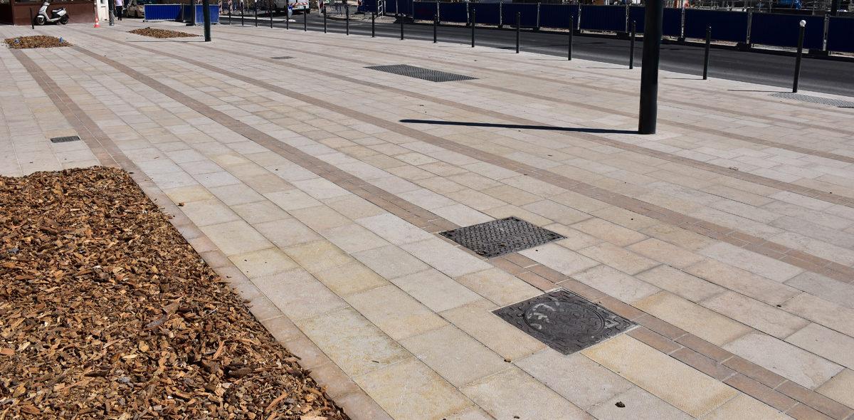 Aménagement Pôle multimodal Chateauroux-zoom-dalles-bouchardees-flammees-pierre-naturelle